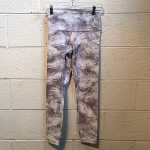 Lululemon gray & white hi waist crops sz 6 57763